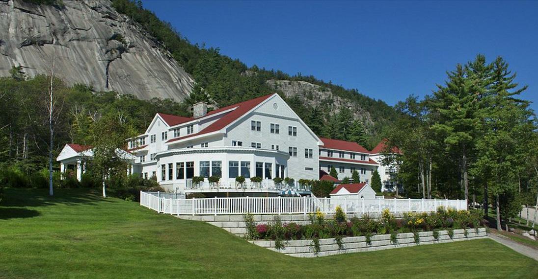 White Mountain Hotel & resort